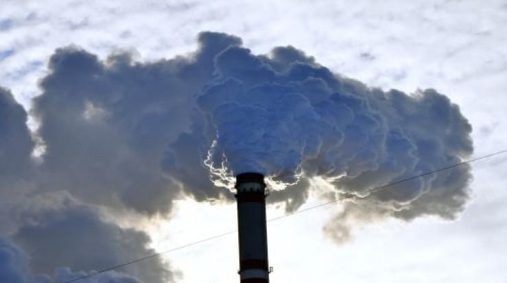 O echipă de cercetători din Cluj studiază transformarea CO2 în gaz metan sau metanol