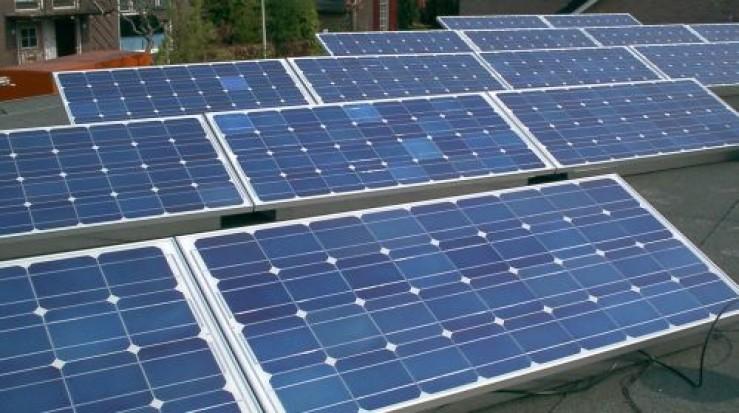Resursele de energie electrică au scăzut cu 4,5%, în primele cinci luni. Producţia de energie solară a crescut cu 17%