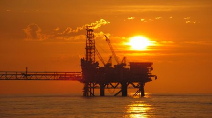 Statul impune amenzi de sute de milioane de dolari petroliştilor din Marea Neagră dacă nu lucrează cu români