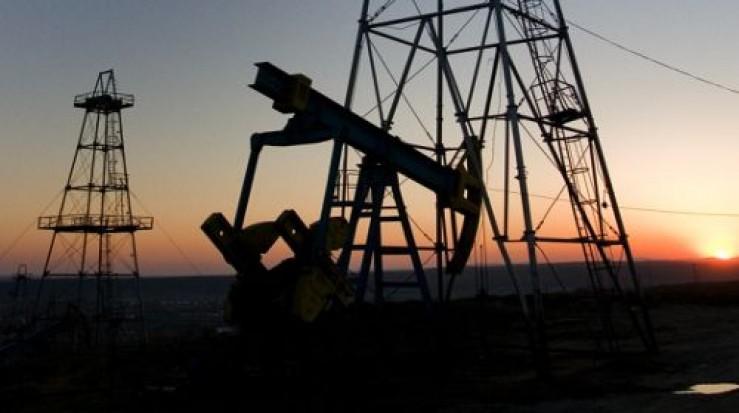 Rămânem, încet-încet, fără petrol. Petrom a ajuns să importe masiv ţiţei pentru rafinăria Petrobrazi, care mergea exclusiv cu petrol românesc