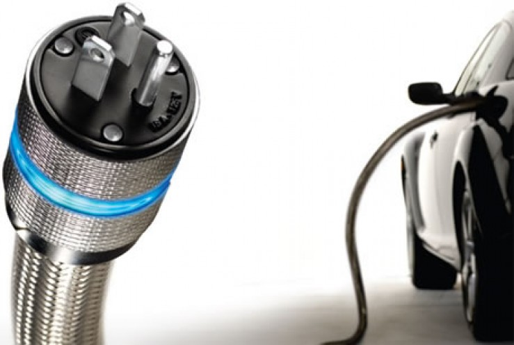 E.On şi MOL vor dezvolta, în România, o reţea naţională de 40 de staţii de încărcare a maşinilor electrice