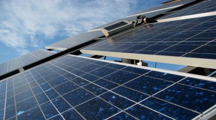 Spitalele din Bucureşti vor avea panouri fotovoltaice şi centrale termice de cogenerare şi trigenerare – proiect
