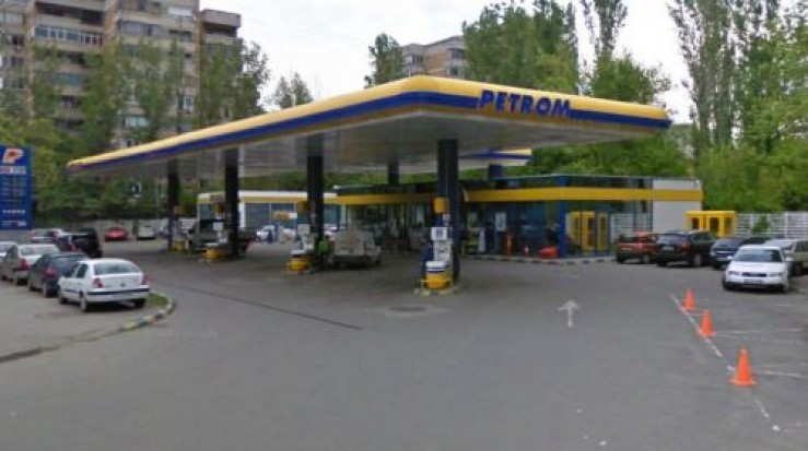 Preţurile medii ale carburanţilor din România au coborât la un euro pe litru. OMV Petrom a ieftinit de patru ori în zece zile