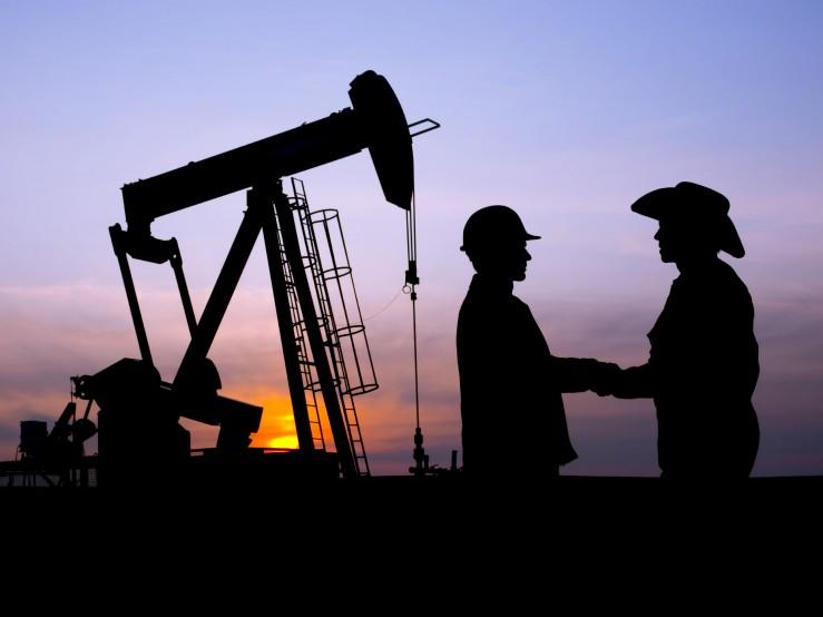Cheltuielile pentru explorare ale marilor companii petroliere vor scădea pentru al cincilea an consecutiv, în ciuda creşterii preţului barilului