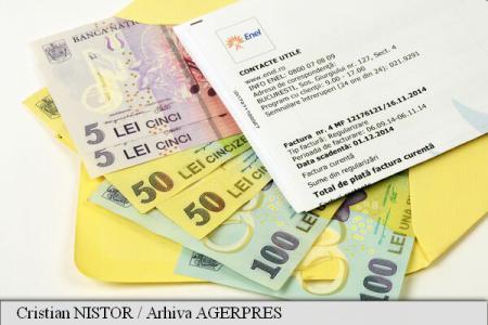 Cu cât s-a ieftinit energia electrică, la noi şi în Europa. E scump curentul pentru români?