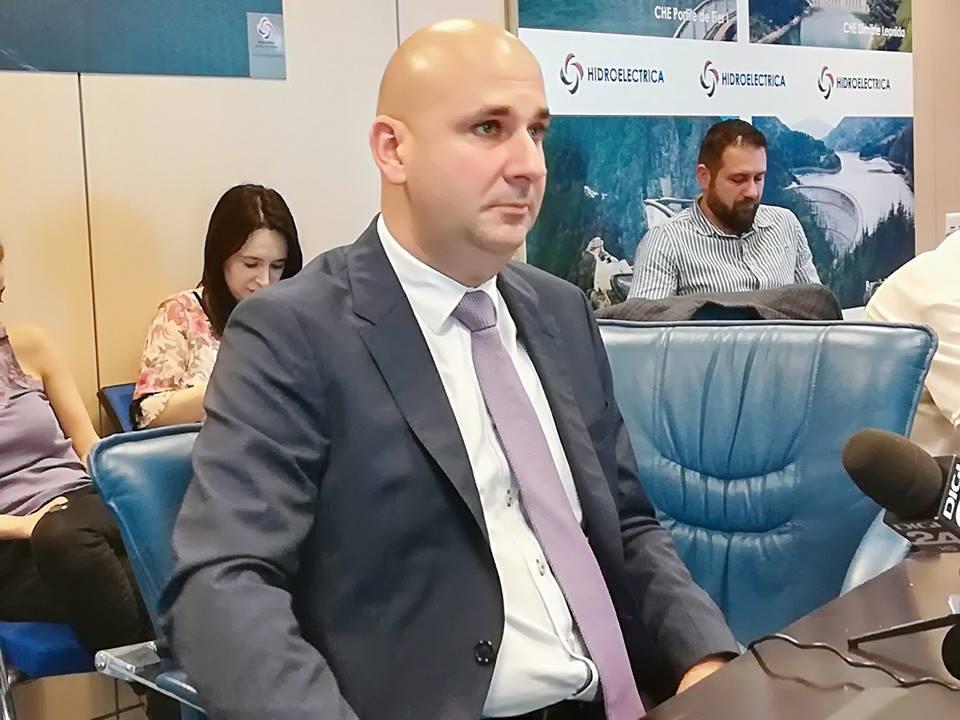 Situaţie inedită la Hidroelectrica: Salariul directorului a scăzut cu 20%, deşi compania a făcut profit record