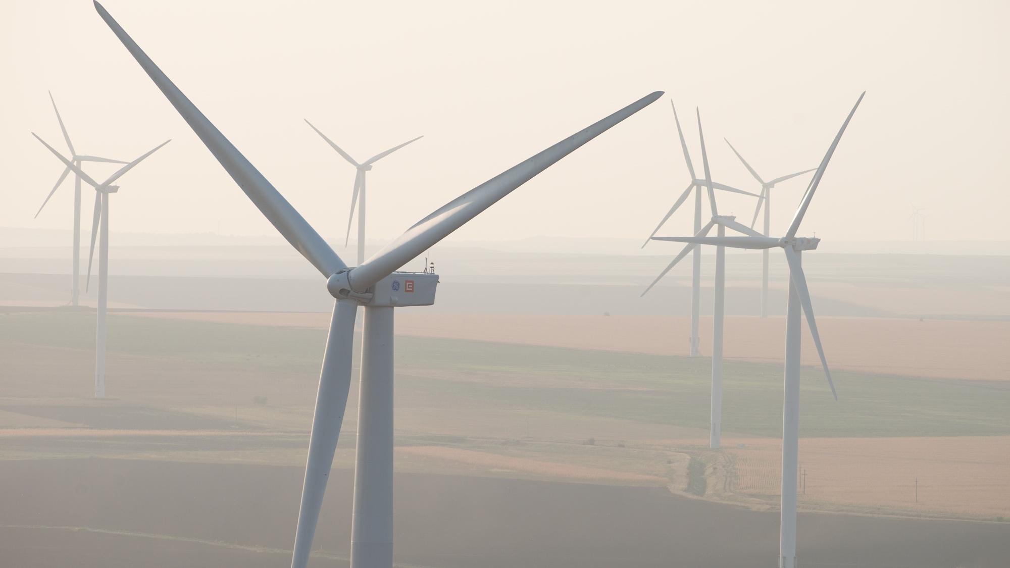 Cel mai mare parc eolian de uscat din Europa n-o duce foarte bine în 2018. Producţia CEZ în România a scăzut cu 16%, EBITDA din regenerabile cu 40%