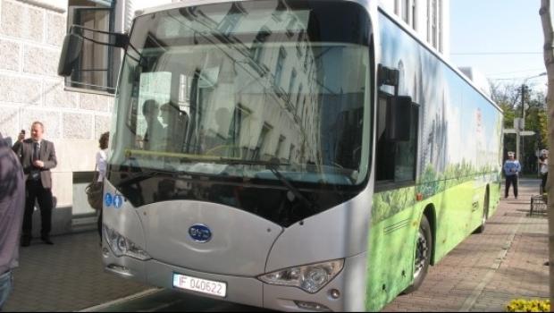 100 de autobuze electrice în Bucureşti. Cât vor costa şi pe ce trasee vor merge