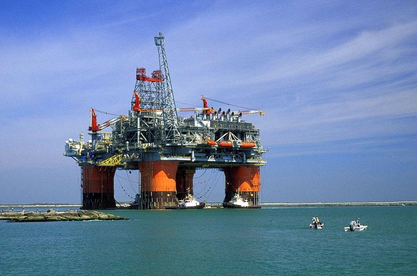 Gazele din Marea Neagră ar putea genera redevenţe suplimentare de 230 de milioane de euro pe an