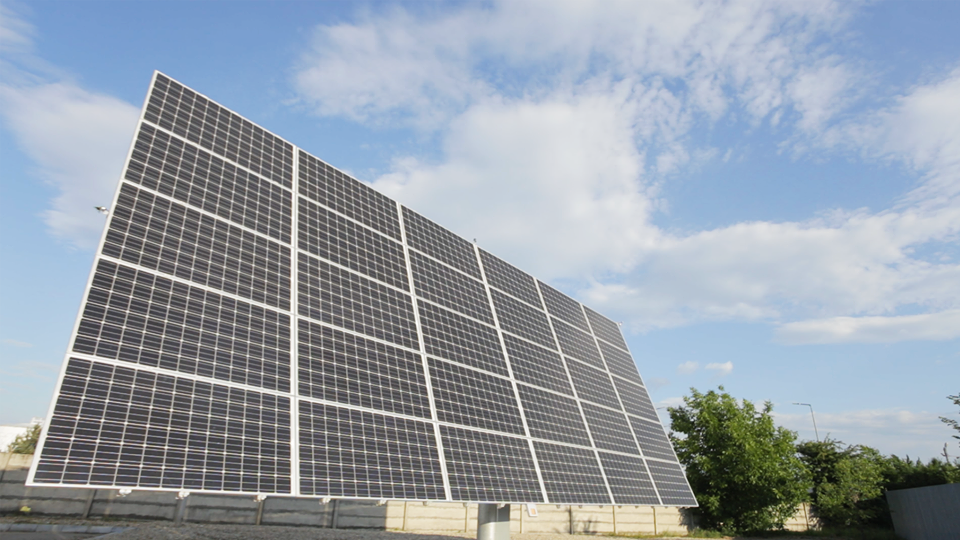 Premieră în România: Rompetrol anunţă prima benzinărie dotată cu o centrală fotovoltaică