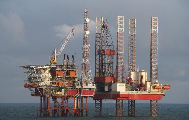 Petrom ar putea amâna şi în acest an decizia de exploatare a gazelor din Marea Neagră
