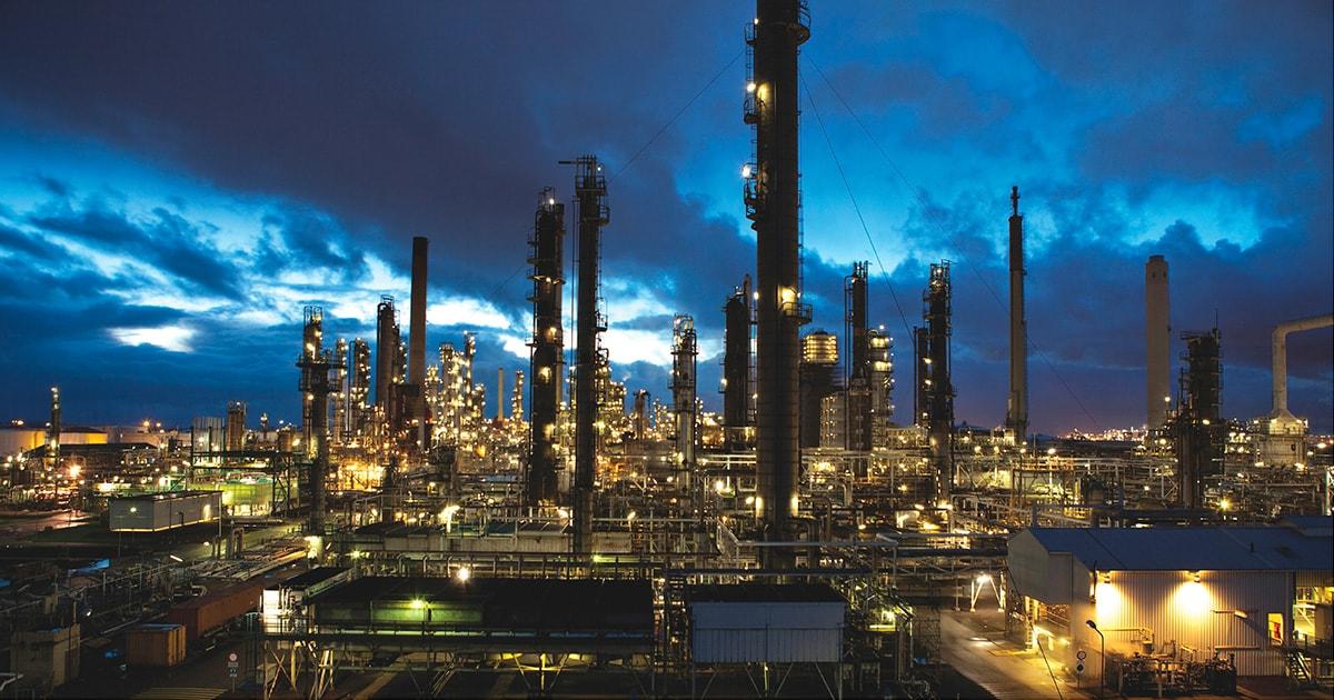 ExxonMobil va investi 650 de milioane de dolari în modernizarea celei mai mari rafinării din Marea Britanie