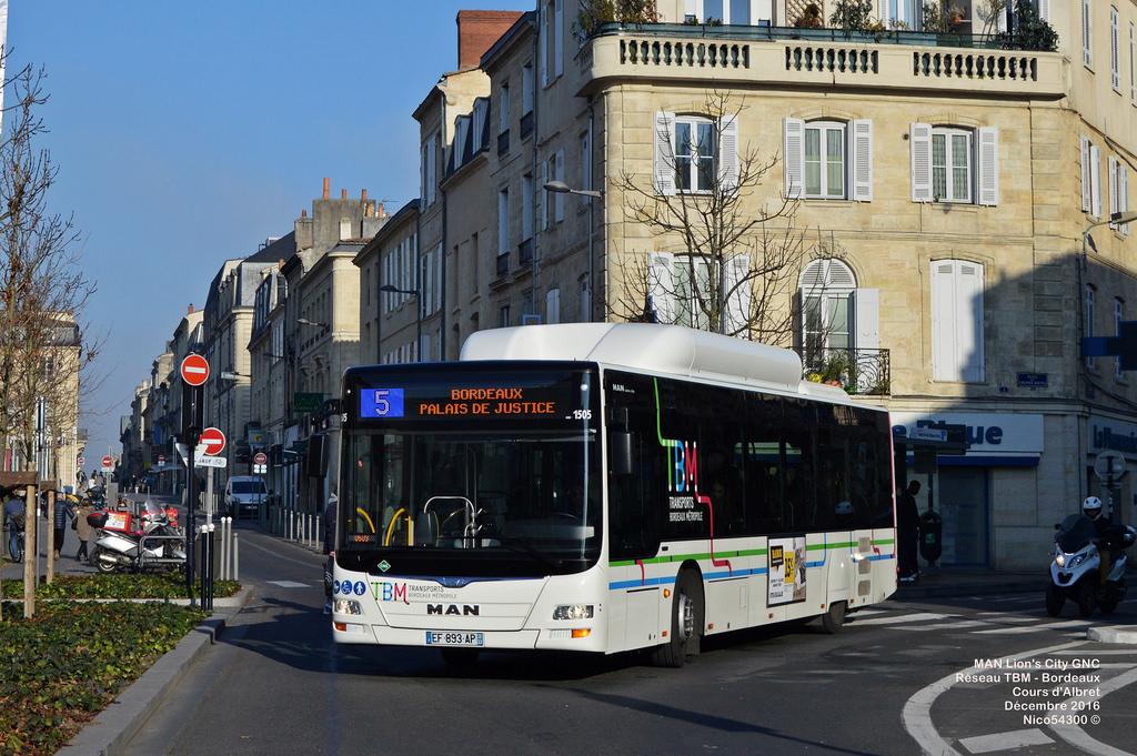 Primăria Iaşi vrea să cumpere 64 de autobuze pe GNC cu fonduri de la Administraţia pentru Mediu