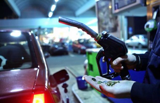 Efectul scumpirii carburanţilor: vânzările benzinăriilor stau pe loc